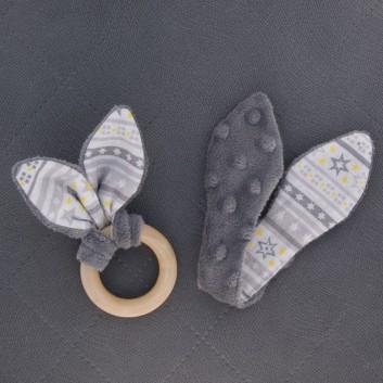 Naturalny gryzak szary żółto-szare gwiazdki na białym handmade