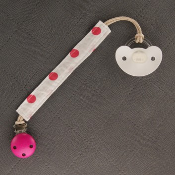 Zawieszka do smoczka gryzaka różowe groszki na białym handmade