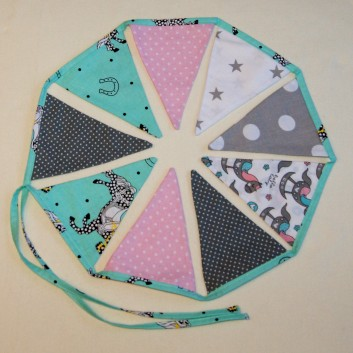 Nursery bunting triangles in grey, pink, cyan with horses