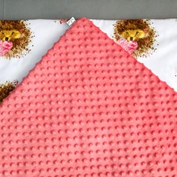 Kocyk Minky truskawkowy jeżyki z sercem handmade