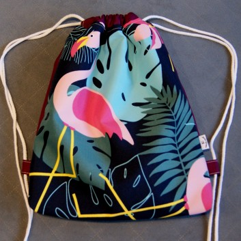 Plecak / worek z tkaniny wodoodpornej flaming na granatowym / fiolet handmade