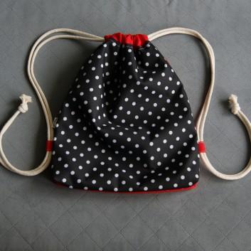 Plecak / worek z tkaniny wodoodpornej białe groszki na czarnym tle / czerwony handmade