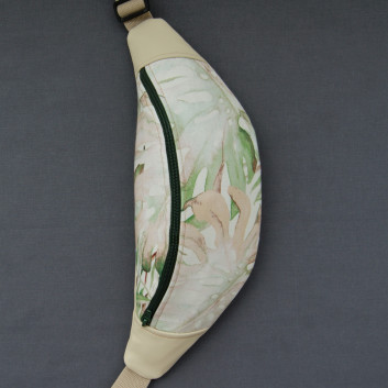 Saszetka biodrowa / nerka z bawełny w liście i tkaniny obiciowej typu ekoskóra / zielone i beżowe monstery / ecru handmade