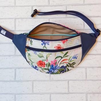 Saszetka biodrowa maxi / torebka z tkaniny obiciowej w polne kwiaty na białym tle i granatowa ekoskóra Handmade