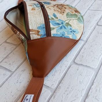 Saszetka biodrowa maxi / torebka z tkaniny obiciowej w niebieskie i brązowe kwiaty i karmelowa ekoskóra handmade