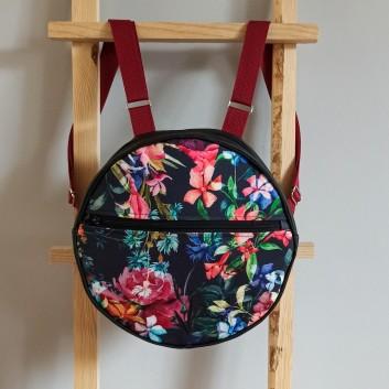 Okrągły plecak - kolorowe kwiaty na czarnym tle i czarna ekoskóra handmade