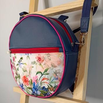 Okrągły plecak i torebka (2in1) - kolorowe kwiaty na białym tle i granatowa ekoskóra handmade